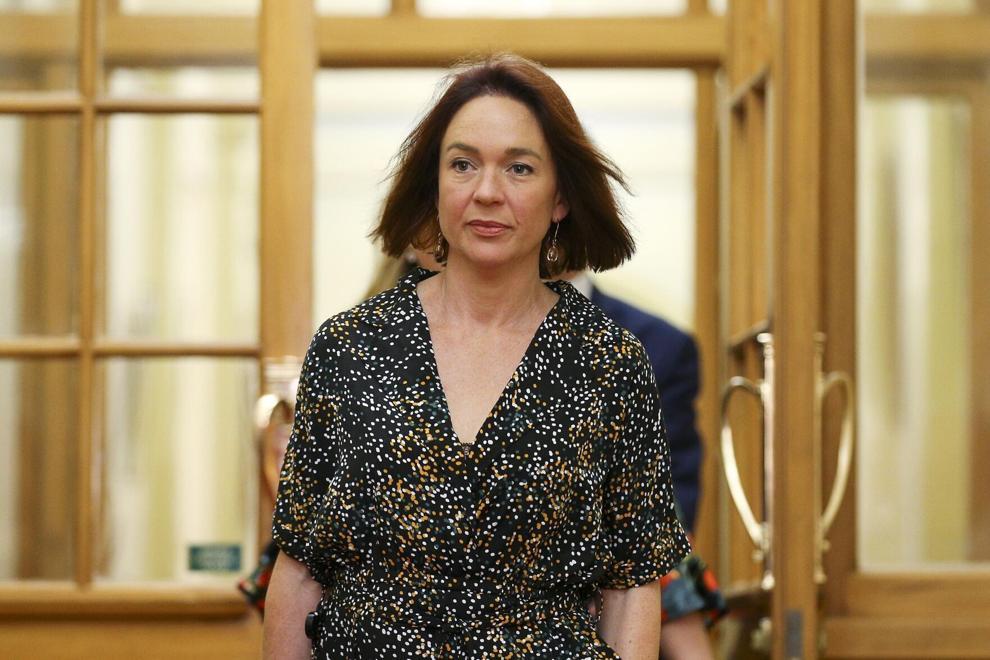 A parlamentar trabalhista Ginny Andersen, em outubro de 2020, apresentou o projeto de lei que supostamente tornaria a Nova Zelândia a segunda nação depois da Índia a oferecer licença por luto remunerada para trabalhadores que sofreram aborto espontâneo. (The Roanoke Times)