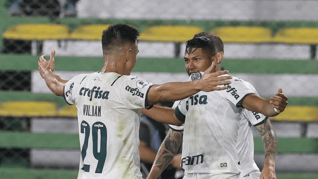 Rony comemorando o primeiro gol do Palmeiras. Foto: César Greco/Palmeiras