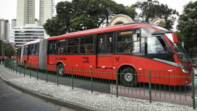 Curitiba pode oferecer transporte gratuito àqueles que estão a procura de emprego/ Foto: Luiz Costa /SMCS