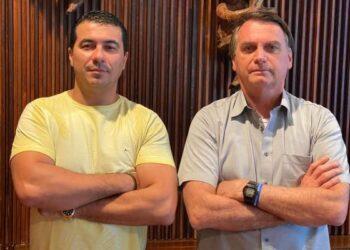 Deputado Luis Miranda e Bolsonaro no dia que ele foi avisado sobre corrupção na compra das vacinas - Foto: Arquivo pessoal