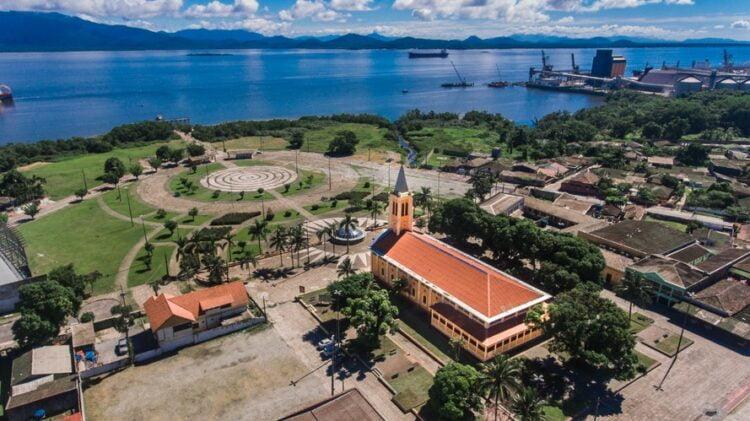 Praça da Fé, onde fica o Santuário do Rocio, em Paranaguá - Foto: Divulgação