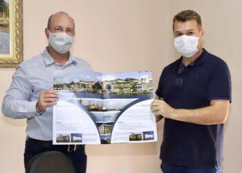 Diretor Empresarial da Portos do Paraná, André Pioli, e o prefeito de Paranaguá, Marcelo Roque - Foto: Divulgação